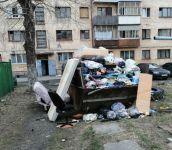 «Весь квартал в говне, и собаки сыты». Жители Нижнего Тагила массово жалуются на невывоз мусора в майские праздники