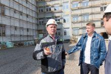СКР просит отправить под домашний арест депутата думы Екатеринбурга Олега Кагилева. Его компания строит школу в Нижнем Тагиле
