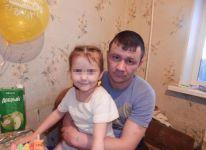 «Даже не просили прощения»: родители девочки, на которую сбросили смеситель с 9 этажа, настаивают на возбуждении уголовного дела