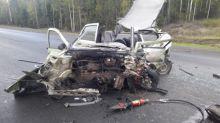 Уснул за рулем и выехал на встречную полосу: на Серовском тракте в страшной аварии один человек погиб, еще двое пострадали (фото)