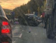2 человека госпитализированы с серьёзными травмами после ДТП с грузовиком под Нижним Тагилом