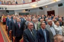 В честь 25-летия Нижнетагильской гордумы устроили торжественное собрание. На нем рассказали, что за время работы решили 3000 вопросов и исполнили тысячи наказов жителей (фото)