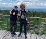 Известный блогер Илья Варламов за 500 тыс руб прогулялся по «Горе Белой». Строительство туркластера еще не началось, а на пиар уже тратят миллионы