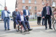 Попытка скрыть свою некомпетентность: политолог оценил пиар-акцию мэра Нижнего Тагила, посадившего дорожников в инвалидные кресла
