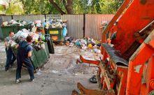 Стоимость вывоза мусора хотят сделать зависимым от количества контейнеров на площадке. Тариф может как вырасти, так и снизится