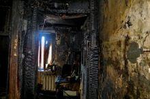 Мужчина попытался сам потушить пожар в квартире и погиб. Подробности трагедии на Газетной
