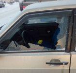 В Нижнем Тагиле неизвестные бьют припаркованные во дворах автомобили и снимают с них аккумуляторы