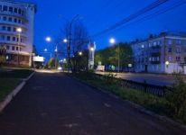 «Ходить только с фонарем». В Нижнем Тагиле перестали освещать тротуары по вечерам