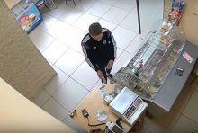 Укравший коробку с пожертвованиями из магазина Нижнего Тагила оказался 16-летним второгодником и хулиганом