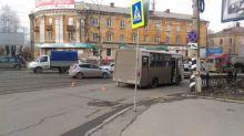 Автобус сбил пенсионерку на пешеходном переходе (фото)