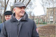 Сергей Носов за прошлый год официально заработал 3 млн рублей. Это в два раза больше чем в 2016