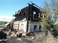 Из большого пожара в Черноисточинске спасли человека – подробности ЧП (фото)