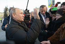 Нижний Тагил начал готовиться к визиту Путина. В центре города полицейские проводят поквартирный обход, выясняя информацию о жильцах