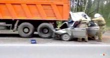 На Серовском тракте легковушка влетела под КамАЗ