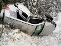 На Серовском тракте разбилась семья из Нижнего Тагила. Погибла 29-летняя женщина, ее родители и годовалый ребёнок в тяжелом состоянии (фото)