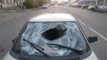 В сумерках на проспекте Строителей автомобиль сбил пешехода (фото)