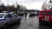 Водитель автобуса при повороте не пропустил встречный ВАЗ-2115: подробности ДТП на Восточном шоссе (фото)