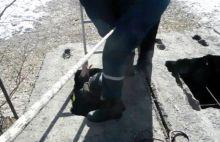 Спасатели Нижнего Тагила достали парализованного мужчину из колодца