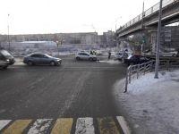 Без прав, страховки и возможно пьяный: 20-летний тагильчанин устроил ДТП у моста на Красноармейской (обновлено - фото)