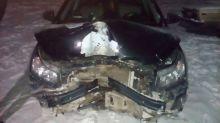 В Нижнем Тагиле пьяный автослесарь угнал машину клиента и разбил её о столб (фото, видео)