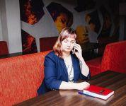 «Проблемы начались после текста про бизнес-империю Носова». Главного редактора агентства «Между строк», дом которой обыскали из-за песен ВКонтакте, вызвали на допрос