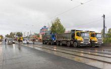 Не успели. Фрунзенский мост испытали максимальной нагрузкой, но открытие откладывается (фото)