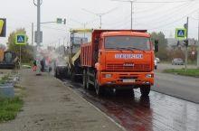 Черноисточинское шоссе начали асфальтировать, но за счет бюджета (фото)