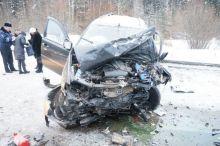 Два человека погибли в лобовой аварии под Нижним Тагилом (фото)