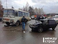 В Нижнем Тагиле в ДТП с рейсовым автобусом пострадала женщина (фото)
