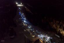 На Белой сошла лавина света: с горы спустились 371 человек с фонариками (фото, видео)