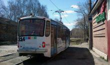 На Красном Камне и Вые парализовано трамвайное движение из-за обрыва контактной сети подрядчиком