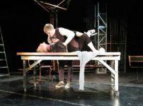 В Молодёжном театре Нижнего Тагила впервые покажут спектакль с пометкой 18+. «Из Екатеринбурга приедут критики, чтобы проверить его на наличие порнографии»
