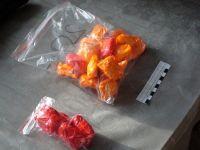 «Хотела купить одежду ребёнку»: молодая мать попалась на торговле наркотиками (фото)