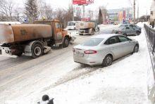 Обработка химическими реагентами на дорогах Нижнего Тагила ведется точечно (фото)