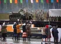 Зрелищное действие Дня танкиста увидят чиновники и УВЗ. Остальных тагильчан будут кормить солдатской кашей и транслировать праздник на экранах