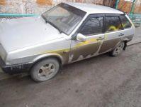 В Нижнем Тагиле вандалы раскрасили краской порядка 20 машин (фото)