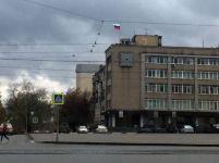 Часы на здании мэрии может заменить барельеф, изображающий герб города