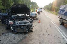 Под Нижним Тагилом в лобовом столкновении машин погиб мужчина и младенец (фото)
