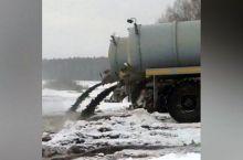 Горноуральский агрокомплекс сливает отходы в поля, нарушая закон