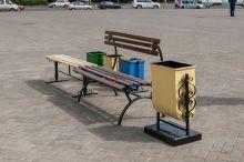 До 9 мая на улицах Тагила поставят новые скамейки и урны