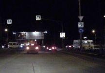 На 4 тагильских перекрестках с круговым движением ввели новые правила проезда. Водители не замечают новые знаки, создавая угрозу ДТП (видео)