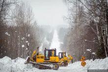 «Некоторым гражданам высокого ранга надоело добираться на отдых по болотам», - депутат Госдумы поделился версией ремонта дороги до Серебрянки