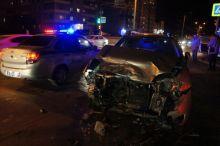 Водитель одного из директоров НТМК спровоцировал аварию, решив проскочить на «красный»