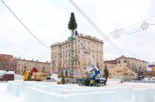 В Нижнем Тагиле приступили к строительству ледового городка на Театральной площади (фото)