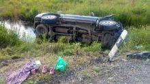 Два автомобиля улетели в кювет под Нижним Тагилом (фото)