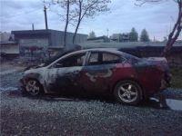 Неизвестные подожгли Mazda 6 в Нижнем Тагиле (фото, видео)