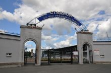 Ни УВЗ, ни областные власти не торопятся давать деньги на восстановление стадиона «Спутник», принадлежащего корпорации