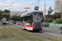 Посмотрели и хватит: новый трамвай Уралвагонзавода привезли из Нижнего Тагила в Екатеринбург. Также для тестирования