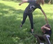 Под Нижним Тагилом школьница жестоко избила подругу из-за ревности к парню (видео)