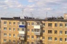На Вагонке трое подростков гуляли по крыше пятиэтажки (фото)